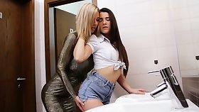 Hypnotizing Czech blonde Nathaly Cherie is lovemaking with revolutionary girlfriend